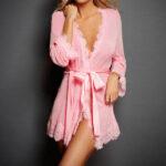 Соблазнительный полупрозрачный женский халат - розовый