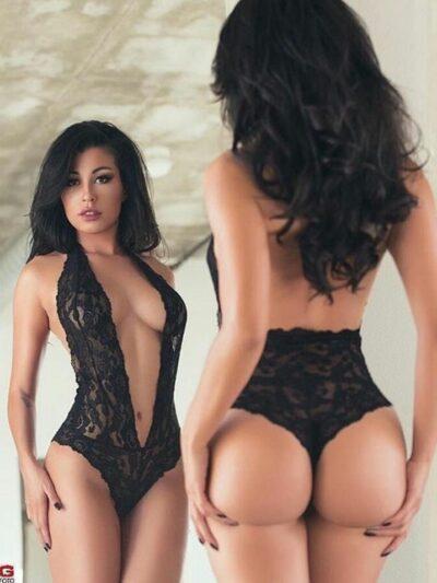 Сексуальный кружевной боди с глубоким декольте - черный (One size)